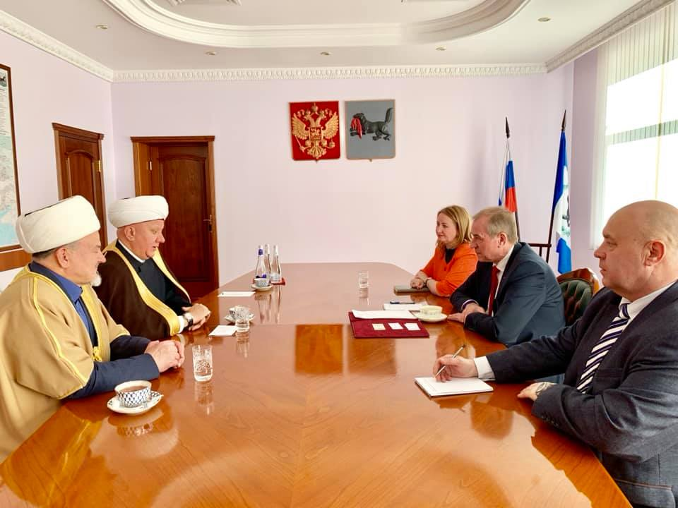 THE HEAD OF SPIRITUAL ASSEMBLY OF MUSLIMS OF RUSSIA MET THE GOVERNOR OF THE IRKUTSK OBLAST